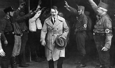 Hannah Arendt, Benito Mussolini, adolf hitler, joseph staline, régime totalitaire, état de droit,