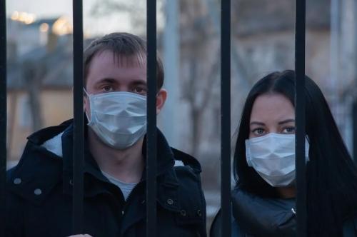 Covid-19, dictature sanitaire, complotisme, fin de la démocratie