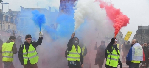 gilets jaunes, Jean-Jacques Rousseau, RIC, Emmanuel Macron,